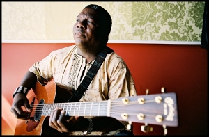 Vusi Mahlasela. Photo: Aaron Farrington.