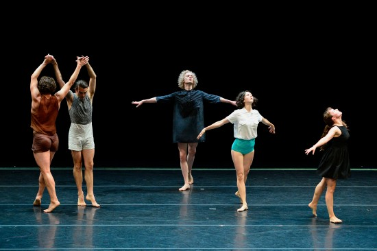 The dances are studded with moments that seem like drawings on the stage. This one from poem, July 15, 2014, Reynolds Theater. Photo: Grant Halverson, ©ADF.