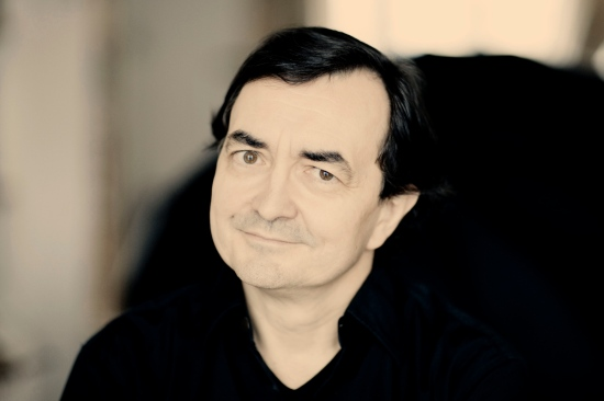 Pierre-Laurent Aimard. Photo: Marco Borggreve/ Deutsche Grammophon.