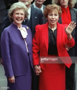 Raisa Gorbachova, R, with Pamela Harriman, in Washington, DC, during USSR General Secretary Mikhail Gorbachev's summit meeting with US President Ronald Reagan, that led to the great thawing of the Cold War.  December, 10, 1987. Photo by: Chris Wilkins, AFP, 51500037.