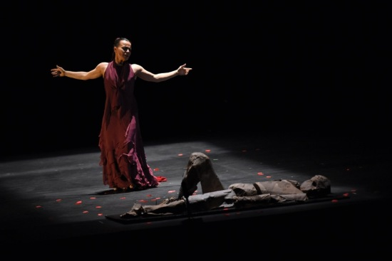 The superb Soledad Barrio dancing the title role in Noche Flamenca's ANTIGONA at ADF 6/26/15. Photo: Grant Halverson.